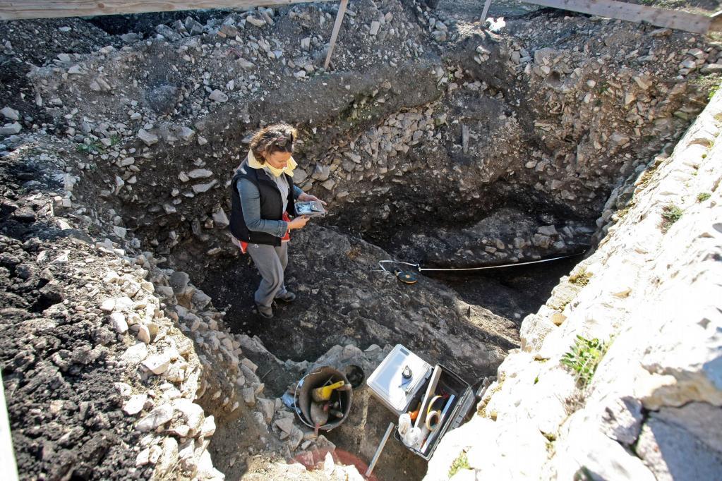 U Asseriji pronađeno preko 20 liburnskih nadgrobnih spomenika