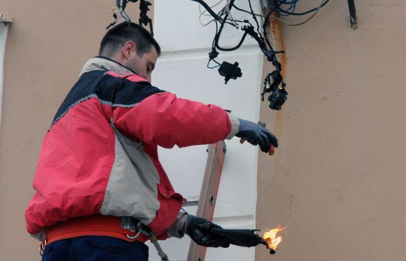 Zbog kratkog spoja zapalili se elektrokablovi