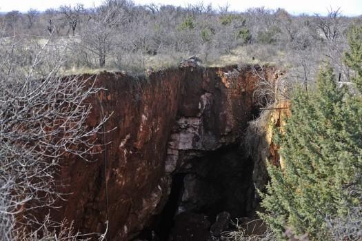 Drnis, 26.02.2013 - U mjestu Trbounje otvorio se ponor dubine 40 metara i duzine izmedju 50 i 70 metara