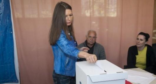 Metkovic, 14.04.2013 - Dr. Nela Srsen glasa na izborima za EU parlament