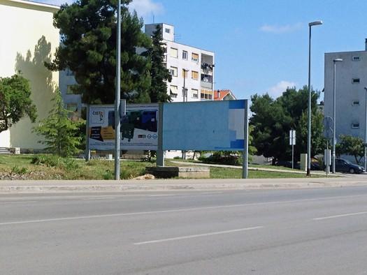 S obzirom na to da Sinovčićev utjecaj slabi i da su panoi prazni u pomoć stiže komunalno poduzeće Čistoća Zadar u vlasništvu Grada Zadra koje zakupljuje  prazan pano Medie-ZD
