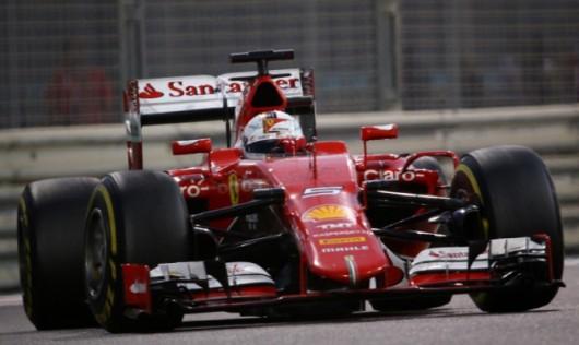 Ferrari's German driver Sebastian Vettel races during the Abu Dhabi Formula One Grand Prix at the Yas Marina circuit on November 29, 2015.   AFP PHOTO / MARWAN NAAMANI / AFP / MARWAN NAAMANI