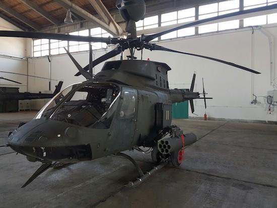 Na Zemuniku predstavljanje američkih borbenih helikoptera u sastavu HV