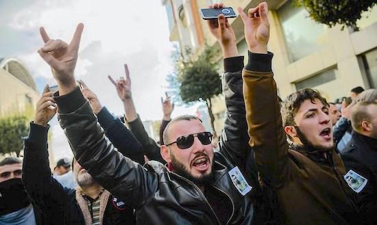 SIVI VUKOVI Turska nacionalistička organizacija bori se za veliko tursko carstvo
