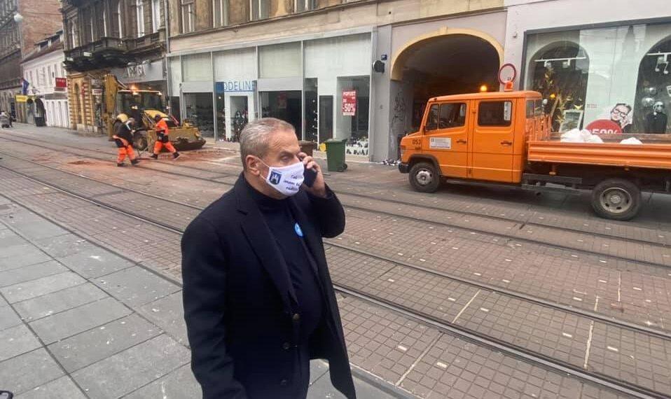 Umjesto da krenu u Petrinju, ZG vatrogascima naređeno da se raštrkaju po gradu i 'budu viđeni'