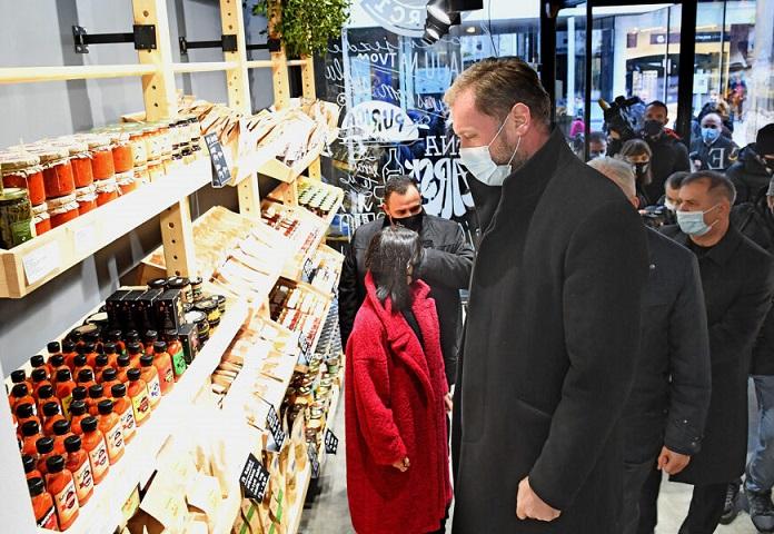 POVRATAK U SOCIJALIZAM Država u Zagrebu otvorila trgovinu sa sirom i jajima