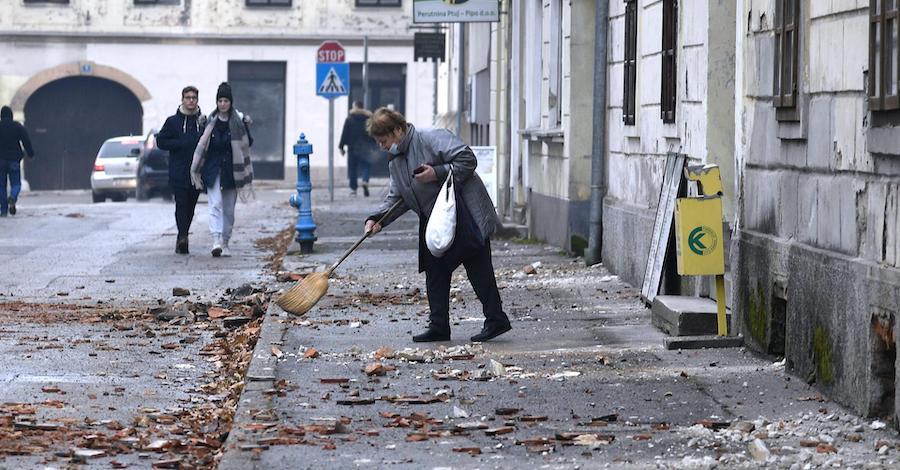 NOVI SNAŽNI POTRES POGODIO HRVATSKU Kod Petrinje izmjereno 6,3! Policija pozvala građane da napuste zgrade